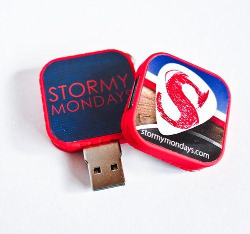 Pendrive USB con la discografía completa